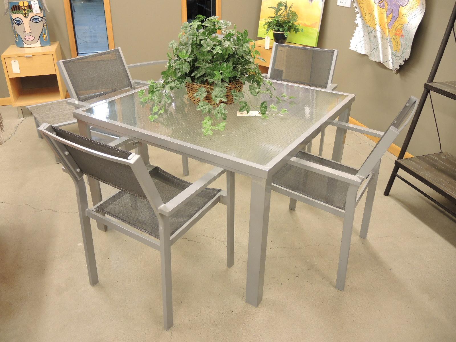 furniture consignment