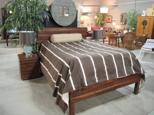 Furniture Consignment Seams To Fit Home