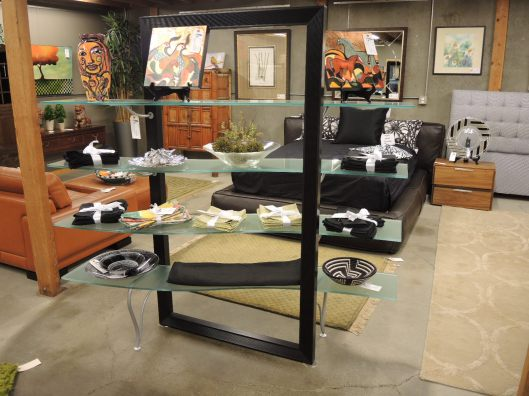 Seams to fit home consignment furniture designer showroom - Roche bobois etagere ...