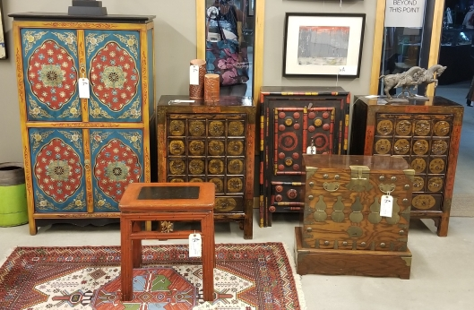 20191014_125605Seams to Fit Home Consignment Furniture Designer Showroom Portland